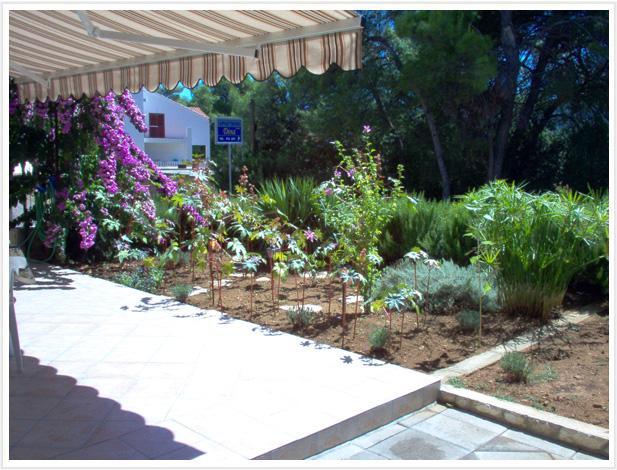 Villa Dina, Garten