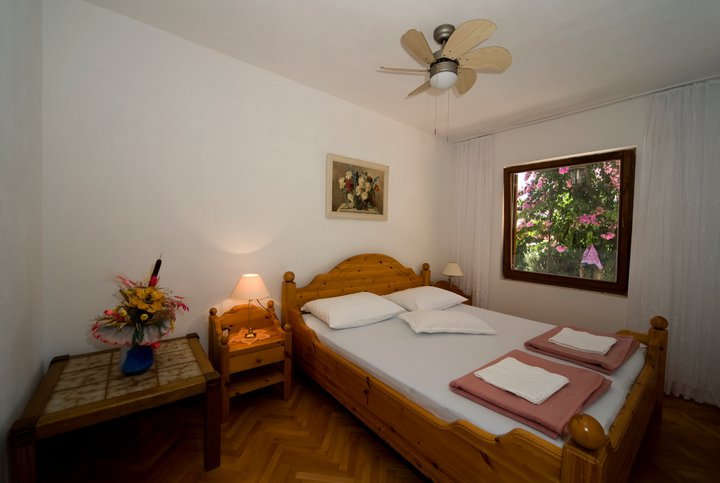 """Schlafzimmer 1 """"Lavanda"""""""